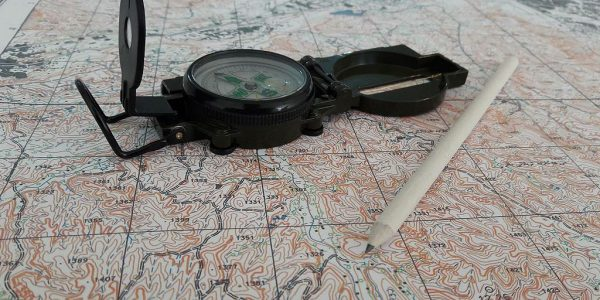 Reading the map: opportunities and challenges of technology in the outdoors