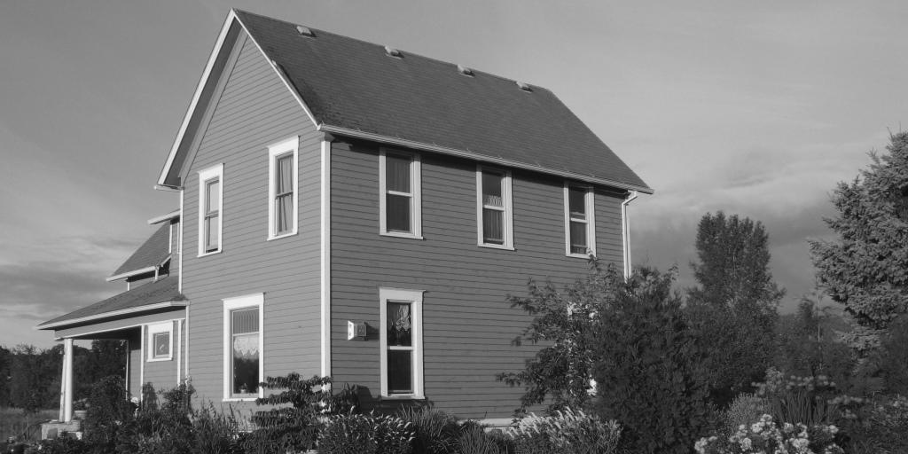 A gray house