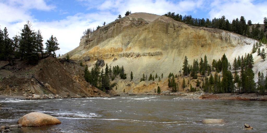 A wall of yellow rock, Yellowstone National Park