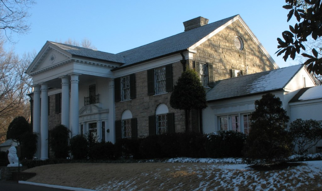 The American sacred space of Graceland