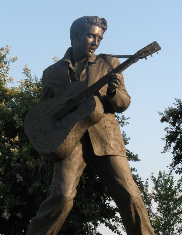 Elvis Presley statue on Beale Street, Memphis