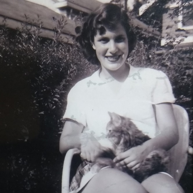 Suzanne Gibbs with cat
