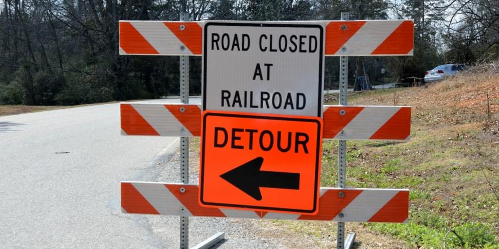 Detour at railroad crossing